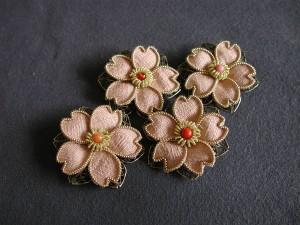 思川桜のブローチ