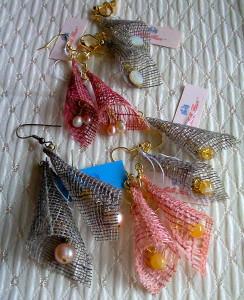 結城紬のイヤリング