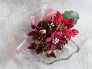 ガラス皿のクリスマスツリー