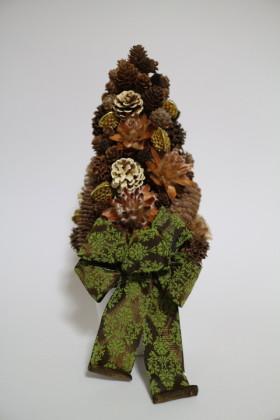 ツリー・小さい木の実も