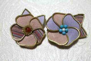 結城紬のブローチ