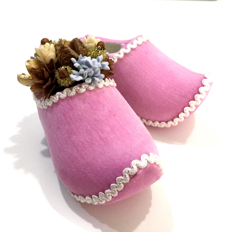 ピンクの木靴