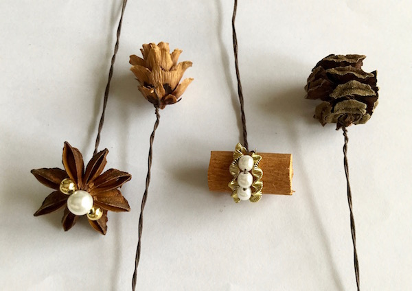木の実とスパイス飾り付け