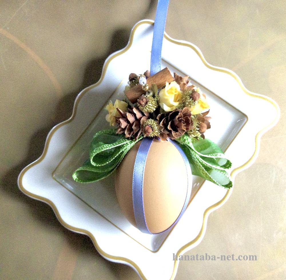 卵のオーナメント